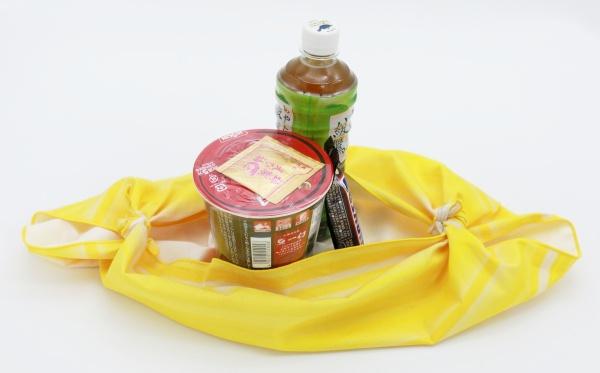 風呂敷エコバッグ作り方結ぶ2